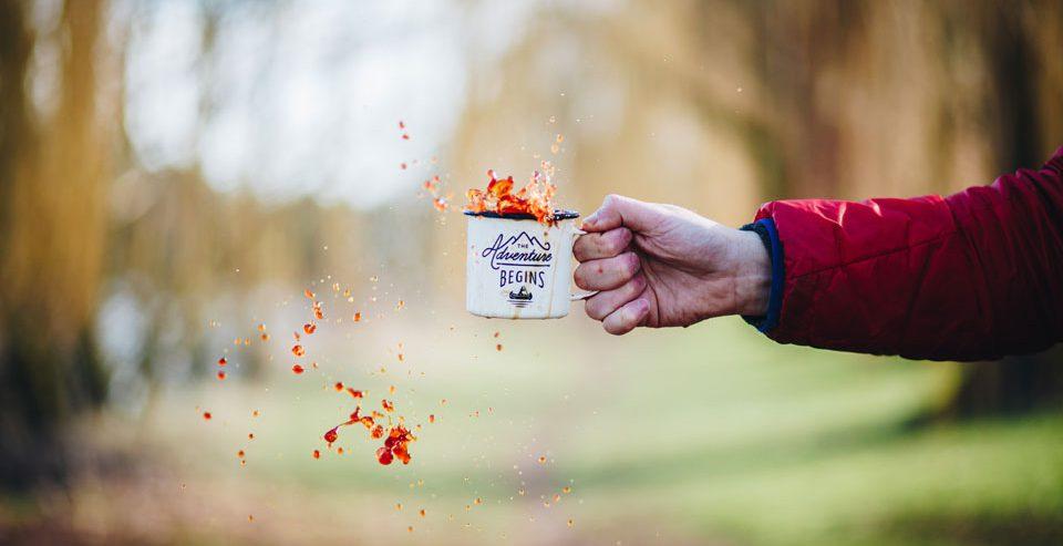 Man morst koffie